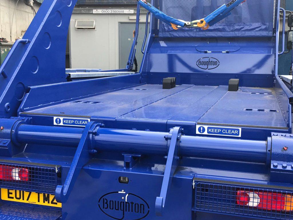 skip loading bed truck